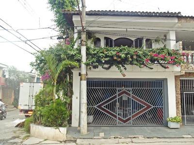Casa Em Condominio Com 3 Quartos 3 Banheiros , Churrasqueira