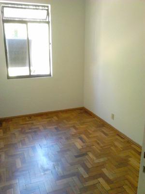 Apartamento, 2 Quartos, Frente, 10 Min. Do Centro