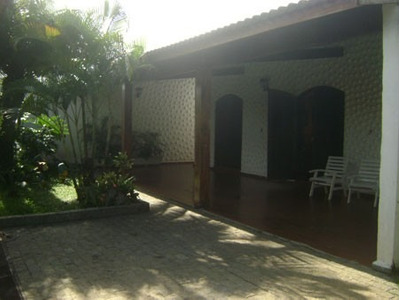 Casa A 400 Metros Da Praia Com Edicula E Piscina-jd.jamaica