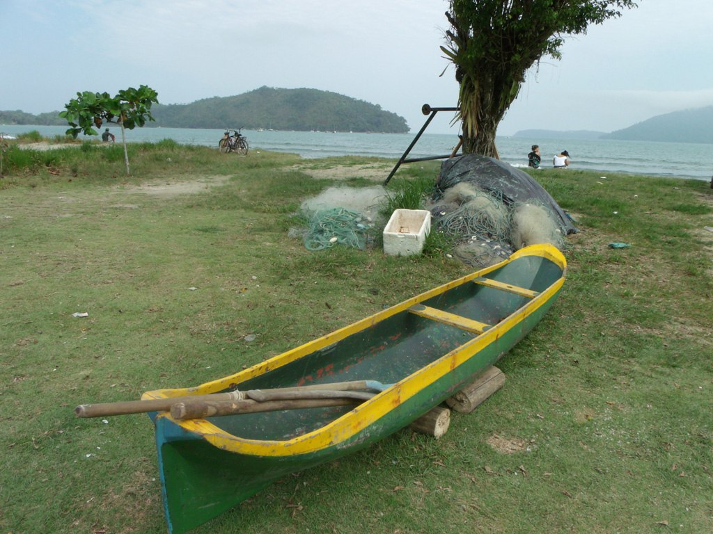 Canoa De Pesca Caiçara Em Madeira Nobre 4 5m R$ 4.500 00 em Mercado  #AE901D 1024x768