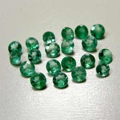 lote de esmeralda com 40 pedras..só r$ 100.00.1.50 mm