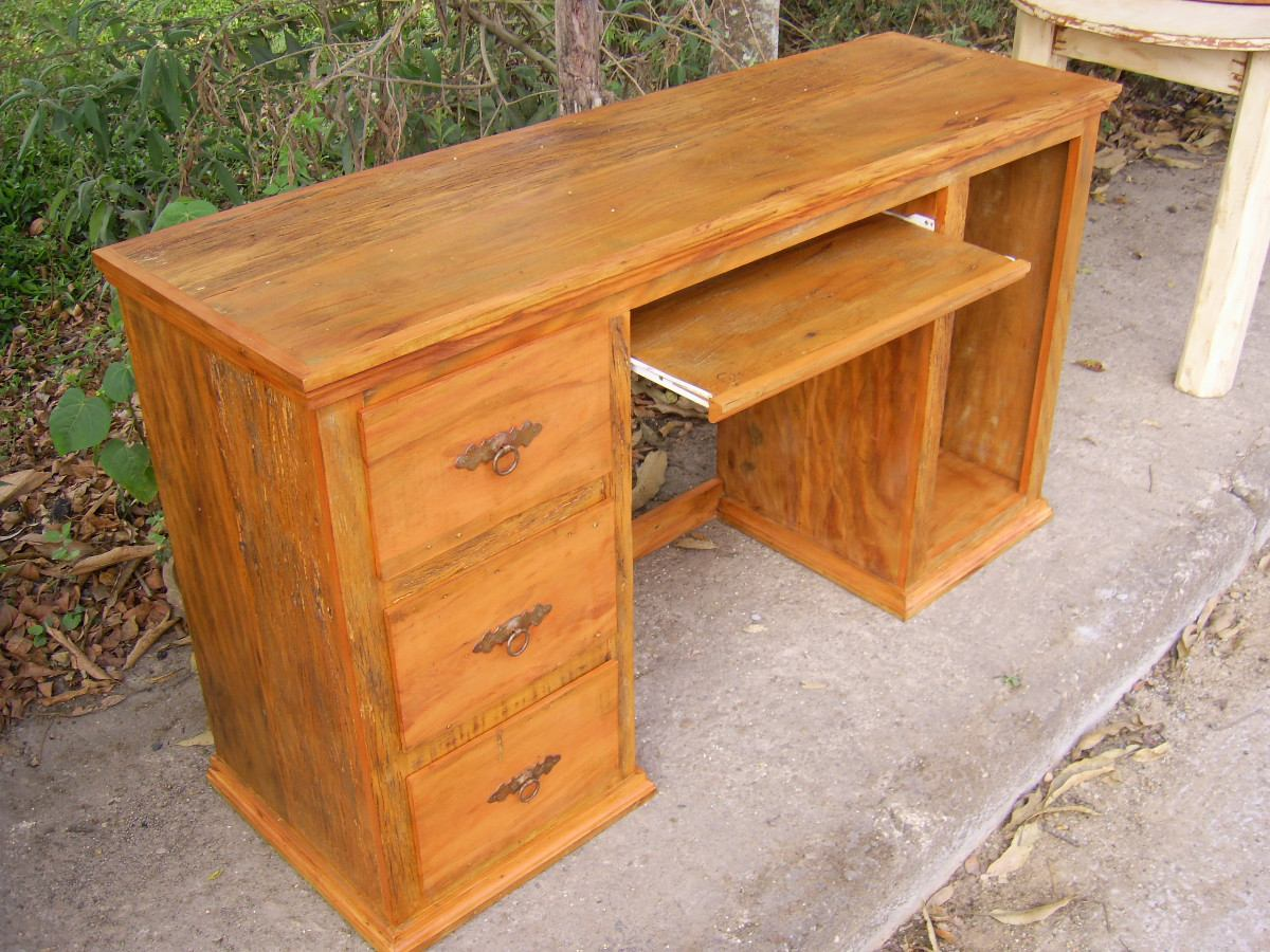 Mesa Para Computador Madeira Demolição R$ 1.180 00 em Mercado  #AE5218 1200x900