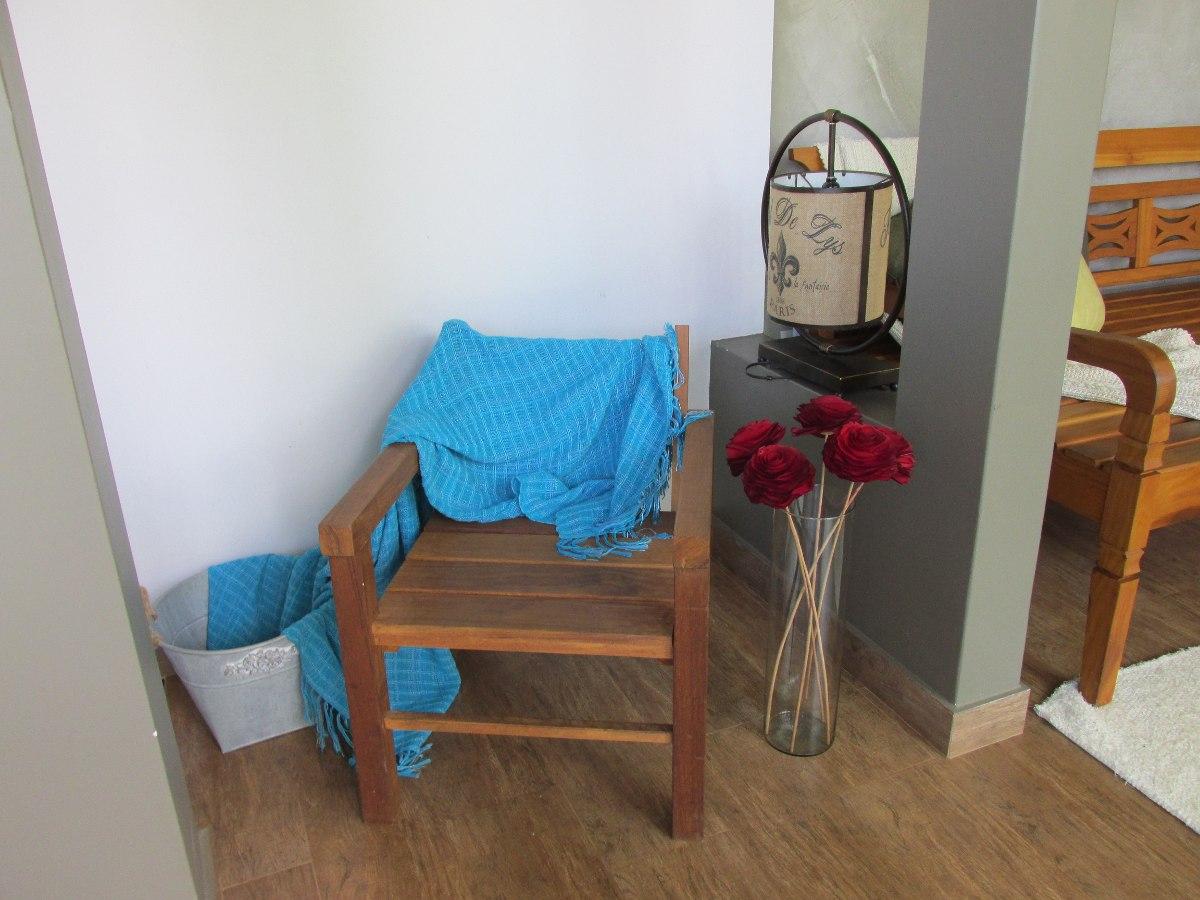 Poltrona De Madeira Confortável Cadeira De Madeira R$ 320 00 em  #257AA6 1200x900
